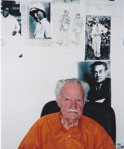 Maurice Nadeau en 2005 dans son bureau de la Quinzaine et de sa maison d'édition © db