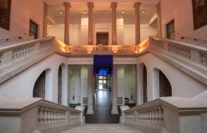 Escalier monumental du Musée de l'art et de l'industrie © DR
