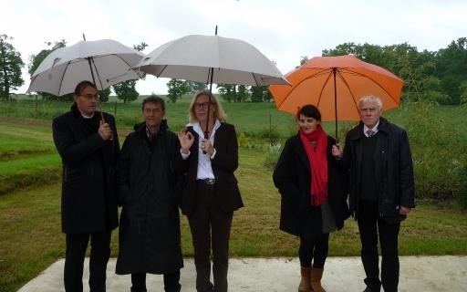 De Gauche à droite : Patrick Rimoux, Louis Dandrel, Isabelle Depret-Bixio, directrice de la Fondation La Borie, Emma Blanc et Pierre Perraud © db