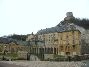 Le château de la Roche-Guyon et son donjon © db