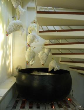 """Brigitte de Malau, """"Noir de poules blanches"""", 2011 © db"""