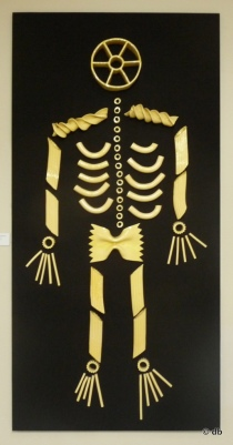 """Bevis Martin & Charlie Youle, """"Pasta Skeleton"""" © db"""