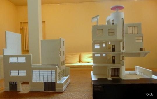Maquettes extérieur/intérieur de la maison-atelier des frères Martel, rue Mallet-Stevens © db