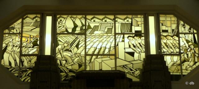 Jacques Gruber, vitraux sur le thème de l'agriculture et de l'industrie, ministère des Affaires sociales, Paris © db