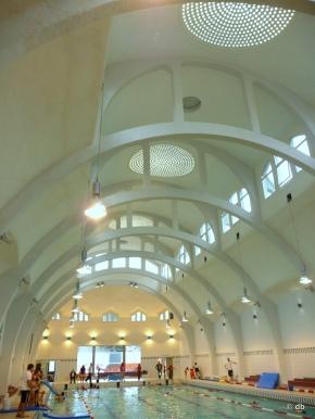 La piscine de la butte aux cailles de l art nouveau au for Piscine halle