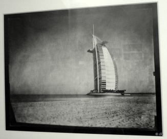 "Martin Becka, ""Dubai Transmutations"" Burj al Arab, 2008 / Photo db"