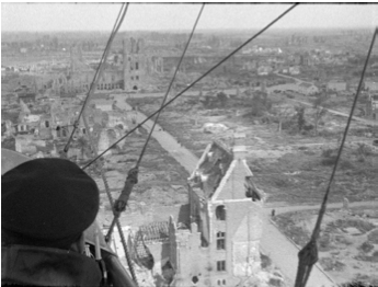 """""""En dirigeable sur les champs de bataille"""" (1919)/Coll. musée Albert-Kahn, restauration CNC"""