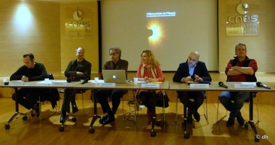 Observatoire de l'Espace, Conférence de Presse 26 janvier 2016. De gauche à droite : Christophe Kihm, Eduardo Kac, Gérard Azoulay, Hélène Frappat, Laurent Grasso, Didier Petit © db