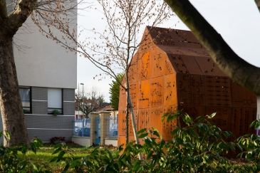 """Emilie Lemardeley, """"Babel Shelter"""", 2014 © ville de Vitry-sur-Seine"""