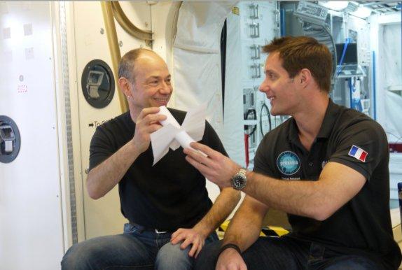 Eduardo Kac et thomas Pesquet à l'ESA à Cologne/17 juin 2016 Photo Virgile Novarina